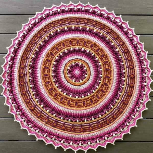 Anemone Mandala-Scheepjes_Catona-Virkevira-Favoritgarner_05