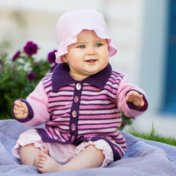 901_1854_svarta_fåret_Baby_Merino_stickad_baby_barn_kofta_gicona