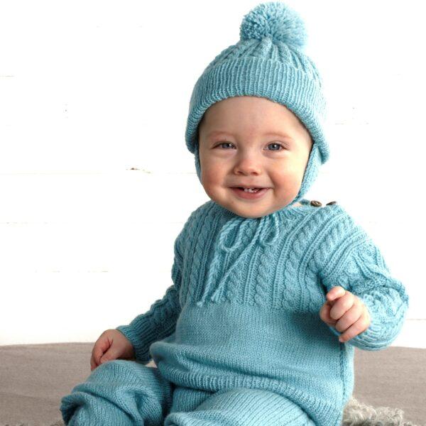901_2400_svarta_fåret_baby_merino_stickad_baby_barn_tröja_byxa_mössa_vantar_gicona_01