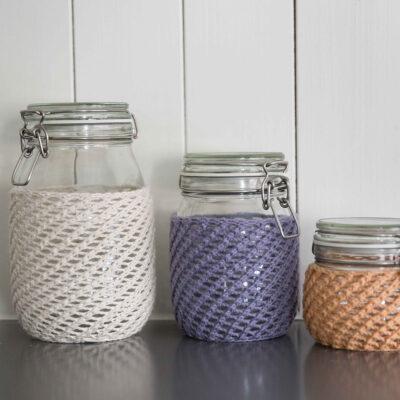 Viking Yarn knits patterns 1421-01. Yarn Spring. knit pot case.