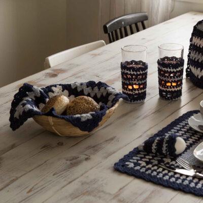 Viking Yarn crochet patterns 1421-20. Yarn Spring. Crocheted bread basket cloth.