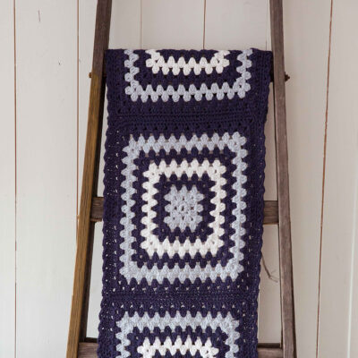 Viking Yarn crochet patterns 1421-24. Yarn Spring. Crocheted runner