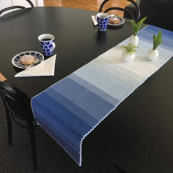 Ombré table runner - Catona Blue Clouds_01