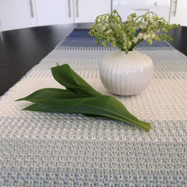 Ombré table runner - Catona Blue Clouds_05