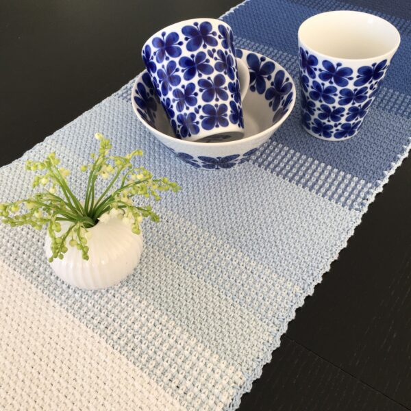 Ombré table runner - Catona Blue Clouds_06