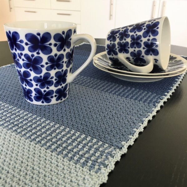 Ombré table runner - Catona Blue Clouds_07